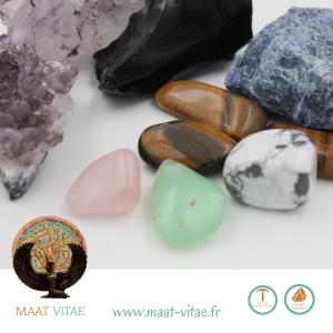 Pierres naturelles et équitables de notre partenaire Maât Vitae - www.maat-vitae.fr